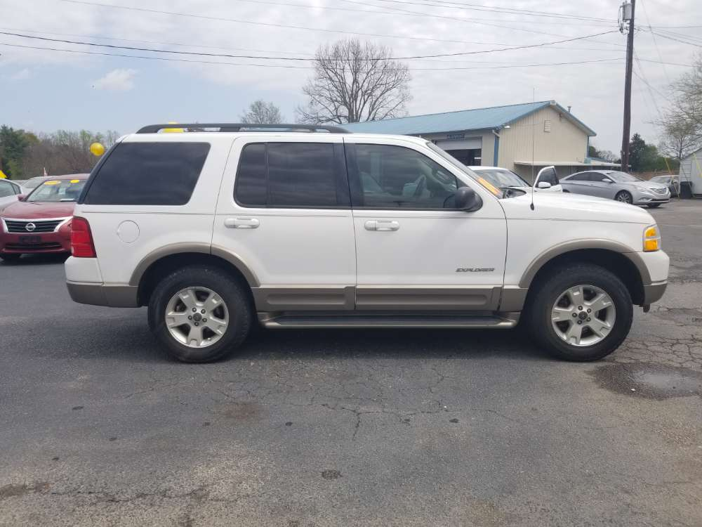 Ford Explorer 2004 White