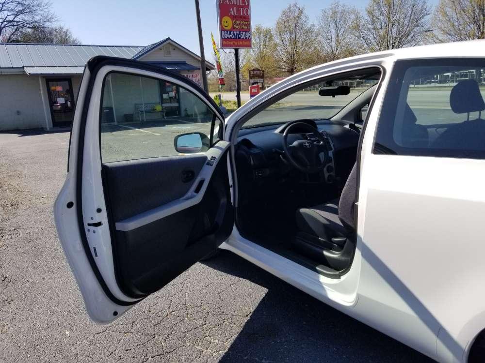 Toyota Yaris 2010 White