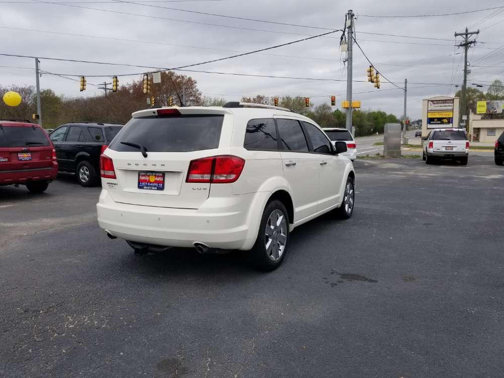 Dodge Journey 2011 White