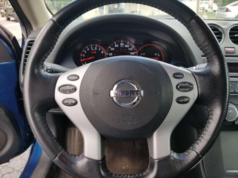 Nissan Altima 2009 Blue