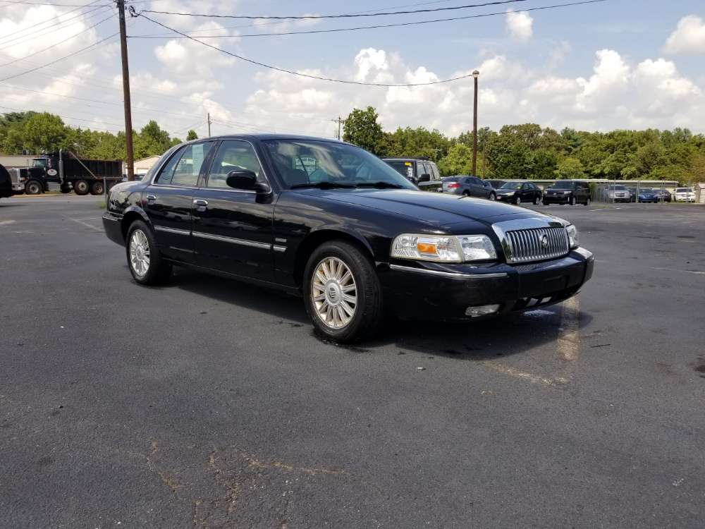 Mercury Grand Marquis 2010 Black
