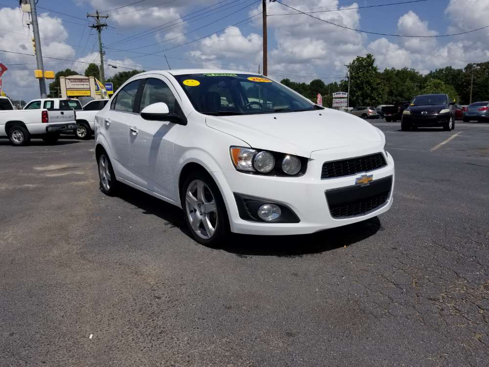 Chevrolet Sonic 2016 White